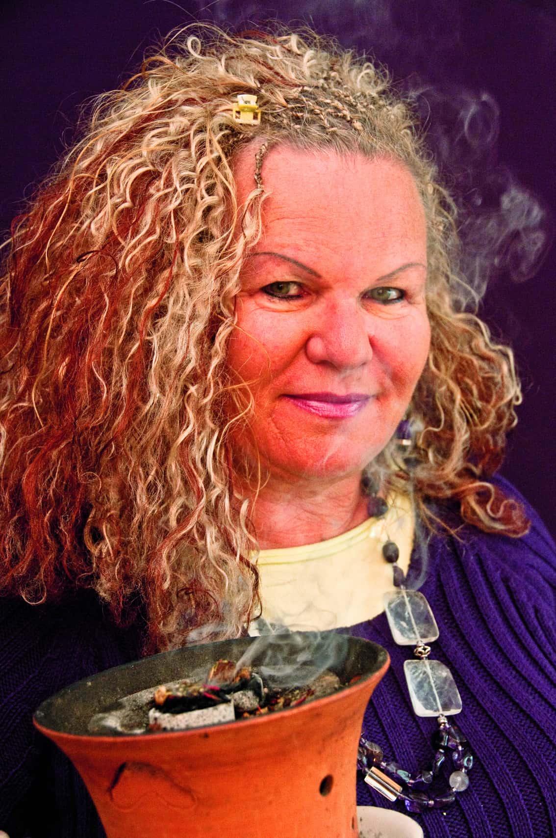 Annemarie Herzog - die Räucherin - Workshop Energetisches Räuchern