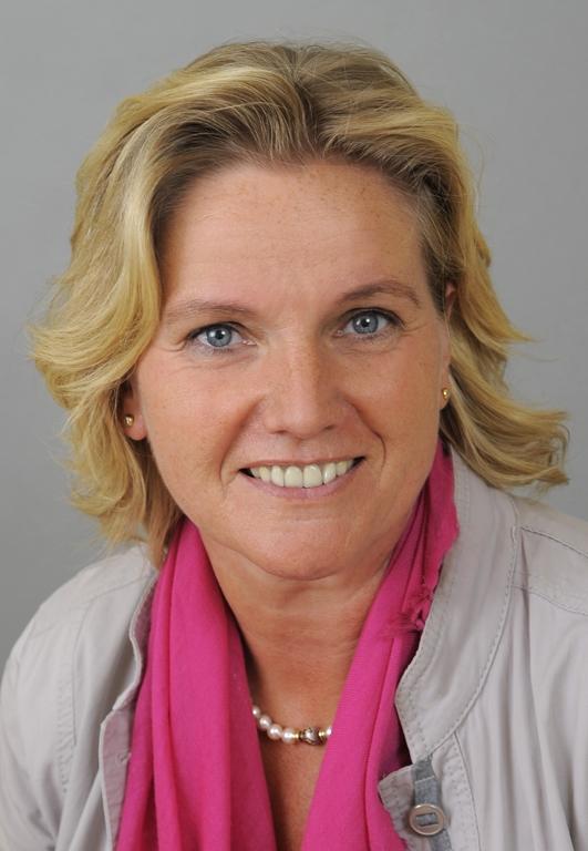 Anital Feigl  - Dozentin für Beziehungsarbeit sowie Venus-Frau und Marsmann